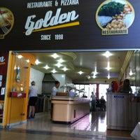 รูปภาพถ่ายที่ Restaurante Golden Grill โดย Rodrigo C. เมื่อ 4/1/2012