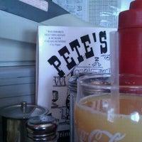 Foto tomada en Pete's Grille por Shannon K. el 9/3/2011