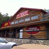 Foto tomada en Rudy's Country Store & Bar-B-Q por GreatStoneFace el 4/24/2011