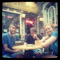 Foto tomada en Poechenellekelder por Pieter W. el 7/27/2012