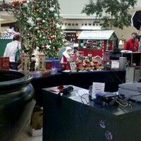 Das Foto wurde bei Ocean County Mall von Tischa C. am 11/22/2011 aufgenommen