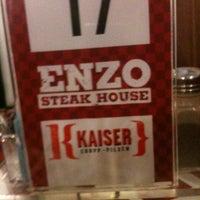 รูปภาพถ่ายที่ Enzo SteakHouse โดย Heide เมื่อ 8/15/2012