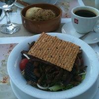 7/7/2012 tarihinde Zuhal B.ziyaretçi tarafından Pelit Pastanesi'de çekilen fotoğraf