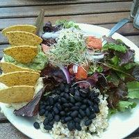 Foto scattata a TAO Natural Foods da Jared M. il 5/7/2011