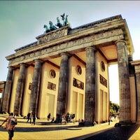 8/26/2012 tarihinde Gerardo C.ziyaretçi tarafından Brandenburg Kapısı'de çekilen fotoğraf