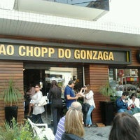 รูปภาพถ่ายที่ Ao Chopp do Gonzaga โดย Marcio V. เมื่อ 9/7/2011