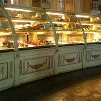 Снимок сделан в Кондитерская «Кафе ПушкинЪ» пользователем Марья 2/1/2012