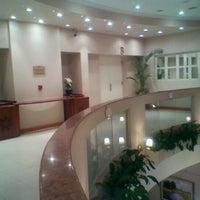 รูปภาพถ่ายที่ InterTower Hotel โดย Patricia R. เมื่อ 10/3/2011