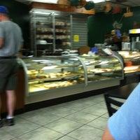 Foto tirada no(a) Bakery Mill & Deli por Megan P. em 4/23/2012