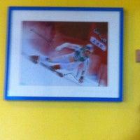 Снимок сделан в Cabinet Reeducation Genou пользователем Rabah Robert K. 11/18/2011