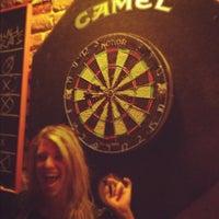 Foto tirada no(a) The Brick: Charleston's Favorite Tavern por Dave W. em 9/12/2012