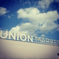 Foto tirada no(a) Union Market por Joe W. em 9/8/2012
