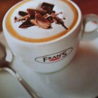 Foto tirada no(a) Fran's Café por Carol C. em 3/10/2012