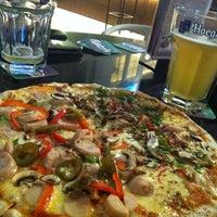 Снимок сделан в MOVIDA - Kitchen.Bar.Club Lounge пользователем Shu-Tze T. 7/7/2012