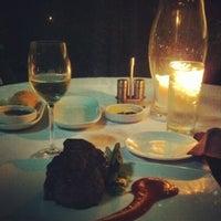 Foto tirada no(a) Dakota's Steakhouse por Jan I. em 4/6/2012