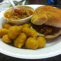 Foto diambil di The Galax Smokehouse oleh Russell G. pada 8/11/2012