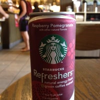 Das Foto wurde bei Starbucks von Richard D. am 7/10/2012 aufgenommen