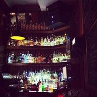 Foto tomada en Fifty Five Bar por Adeline T. el 6/13/2012
