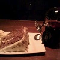 Foto scattata a The Keg Steakhouse + Bar da Wanda M. il 2/9/2012