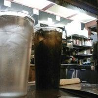 Das Foto wurde bei Four Seasons Diner & Bakery von Meg H. am 4/7/2012 aufgenommen