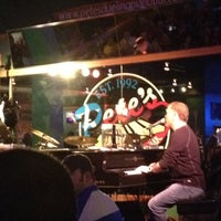 Photo prise au Pete's Dueling Piano Bar par eRiC r. le3/10/2012