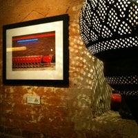 4/7/2012にLinnieがMosaic Wine Loungeで撮った写真