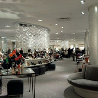 Foto tomada en Saks Fifth Avenue por Imelda T. el 2/12/2012