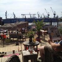 Das Foto wurde bei StrandPauli von Jens K. am 8/18/2012 aufgenommen