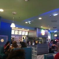 Foto tirada no(a) Yesterday American Diner por solonete em 7/16/2011