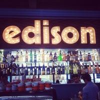 Das Foto wurde bei Edison von oooh m. am 3/1/2012 aufgenommen