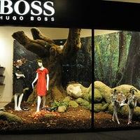 Foto tomada en BOSS Store por Yusri Echman el 8/11/2012