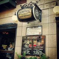 Foto tirada no(a) Halligan Bar por Jill F. em 8/17/2012
