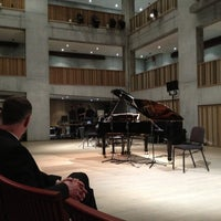 Das Foto wurde bei Concertgebouw von Stefan - ZipKid G. am 2/20/2012 aufgenommen