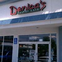 Foto tirada no(a) Denica's Real Food Kitchen por Aaron C. em 5/8/2012