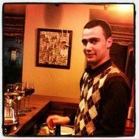 Foto tomada en Carpe Diem Wine Shop & Bar por M A. el 4/19/2012