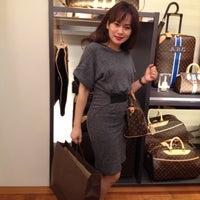 8/25/2012にasystasia m.がLouis Vuittonで撮った写真