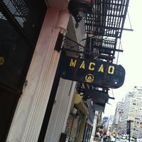 Foto tirada no(a) Macao Trading Co. por Mike R. em 4/18/2011