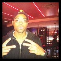 Das Foto wurde bei Blackhawk Bowl / Martini Lounge von Nichole H. am 3/6/2012 aufgenommen