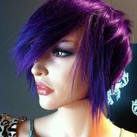 Снимок сделан в Hail The Hair King Salon & Spa пользователем Travis M. 6/18/2011
