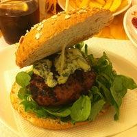 8/10/2012에 Maria C.님이 La Castanya Gourmet Burger에서 찍은 사진