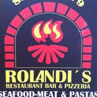 Foto tirada no(a) Rolandi's por Berny S. em 10/30/2011