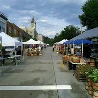 Photo prise au Port Washington Farmers Market par PJ D. le9/3/2011