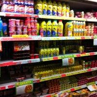 Foto tirada no(a) Sonda Supermercados por Gabriel Torres A. em 4/1/2012