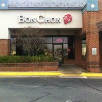 1/2/2012 tarihinde Phil K.ziyaretçi tarafından BonChon Chicken'de çekilen fotoğraf
