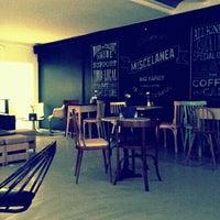 12/18/2011에 Ion V.님이 Miscelanea Gallery-Shop-Café에서 찍은 사진