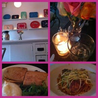 Photo prise au Jane's par Jenn K. le7/14/2012