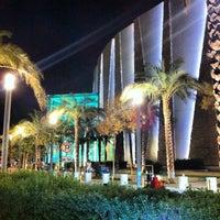 Foto tomada en 360° Mall por Sash D. el 8/7/2012