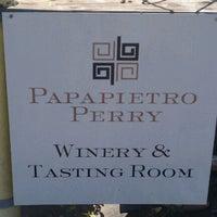 Foto scattata a Papapietro Perry Winery da Karen G. il 10/8/2011