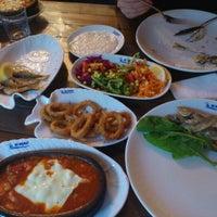 Das Foto wurde bei By Balıkçı von Mutlu G. am 5/9/2012 aufgenommen