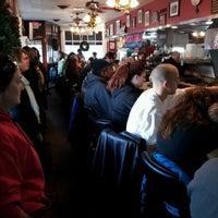 Foto tomada en Pete's Grille por Andy R. el 12/4/2011